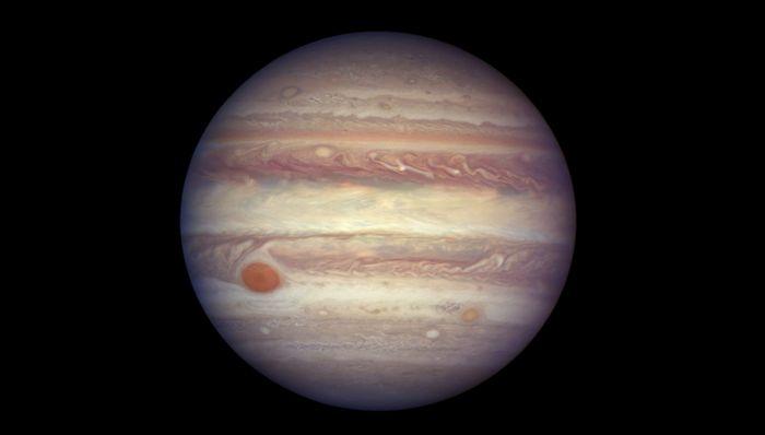 10 Удивительных спутников солнечной системы