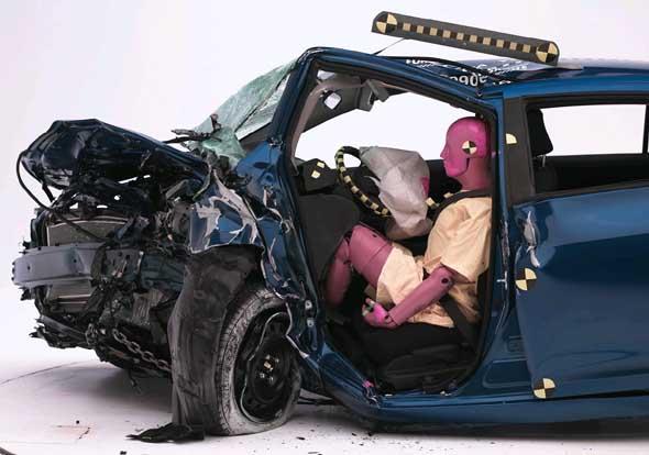 13 Самых безопасных автомобилей 2013 года