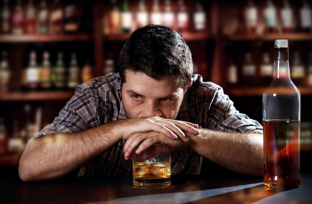 Алкоголь заставляет дольше помнить о плохом