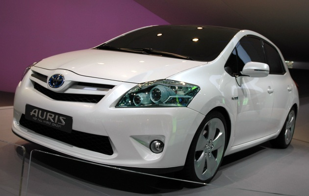 Auris hybrid: серийное производство нового гибрида toyota в англии