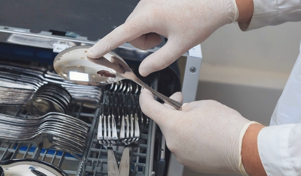 Битва с грязной посудой: какая посудомоечная машина делает это лучше