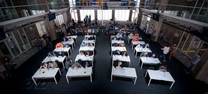 Более 35 тысяч человек приняли участие во всероссийской физико-технической контрольной «выходи решать!»