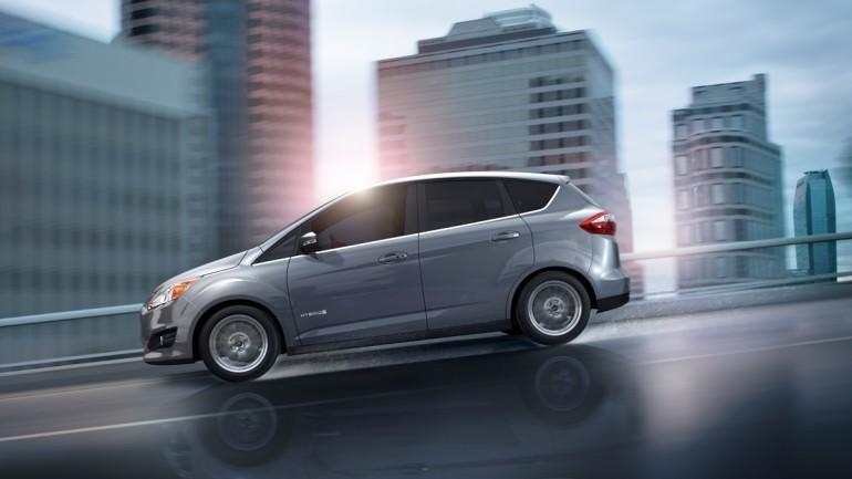 «Догнать и перегнать». гибридный заряжаемый электромобиль ford c-max 2013 года