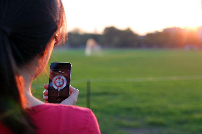 Доктор смартфон измеряет частоту сердечных сокращений
