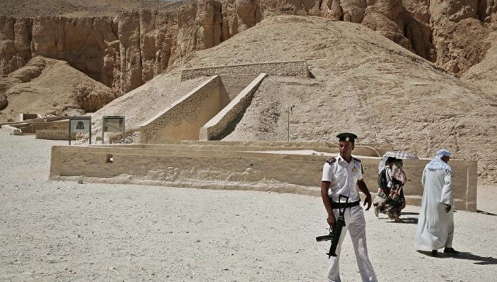 Физики ищут гробницы фараонов