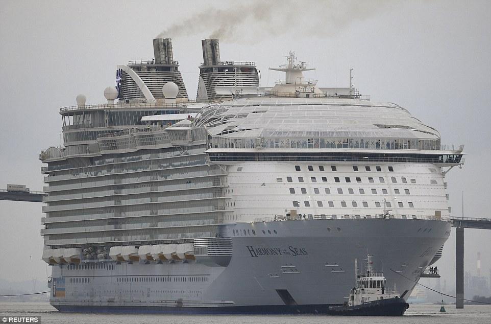 Круизный лайнер загрязняет атмосферу диоксидом серы, как 376 млн автомобилей