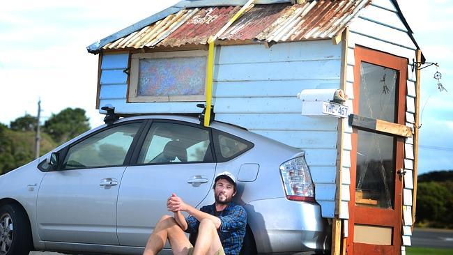 Мини-дом на крыше prius