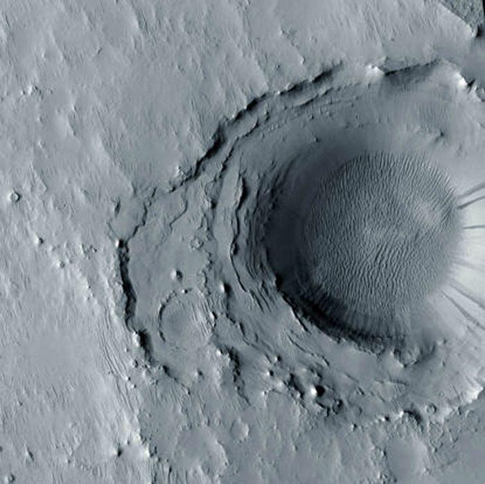 На марсе 635 тысяч ударных кратеров