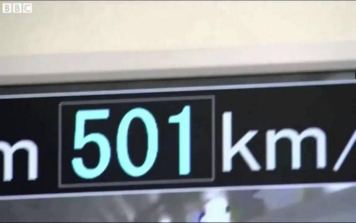Новый высокоскоростной японский поезд на магнитной подушке прокатил первых пассажиров на скорости 500 км/ч