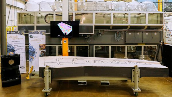 Ornl и boeing установили рекорд гиннесса по крупноформатной 3d-печати