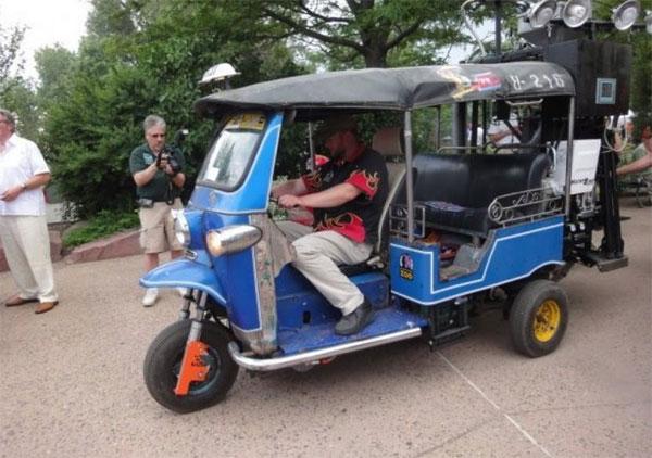 Первое в мире транспортное средство на экскрементах