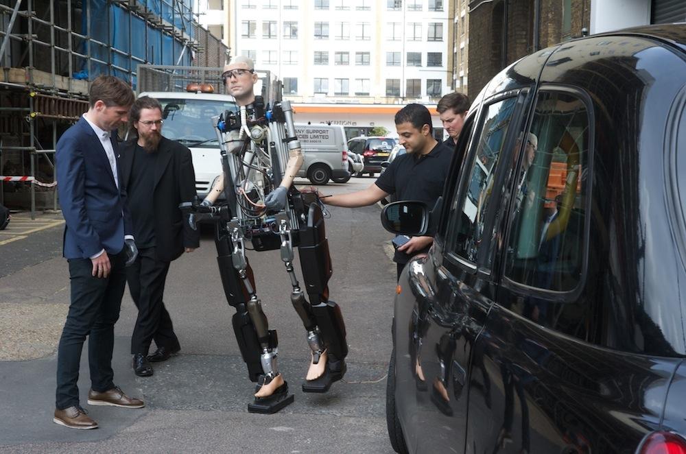 Первый полностью бионический человек имеет украинский характер
