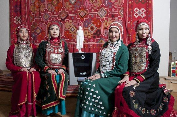Первый в мире башкирский национальный 3d-костюм везут на 3d print conference. almaty