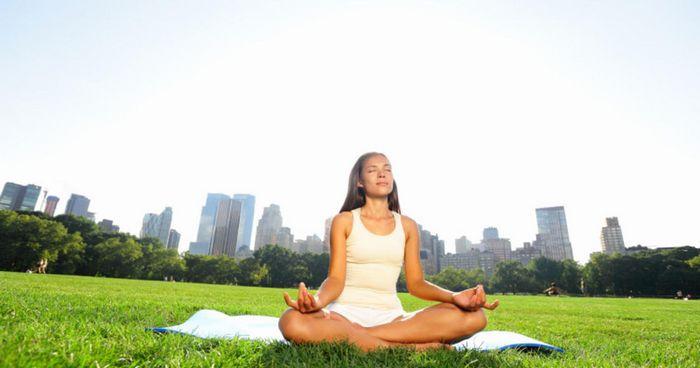 Помогите своему мозгу: начните медитировать