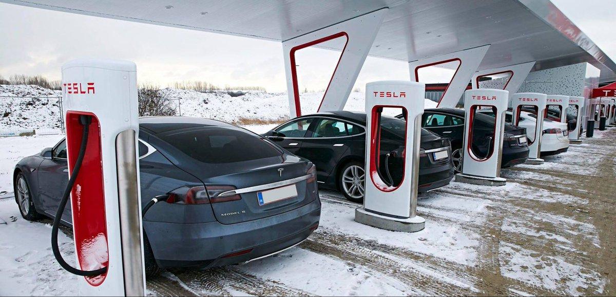 Следующая зарядка tesla сможет заряжать электромобиль за считанные секунды