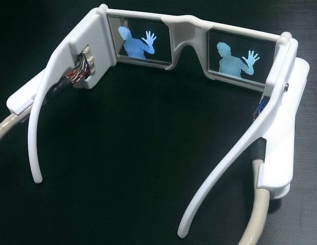 Смарт-очки помогут слепым увидеть мир
