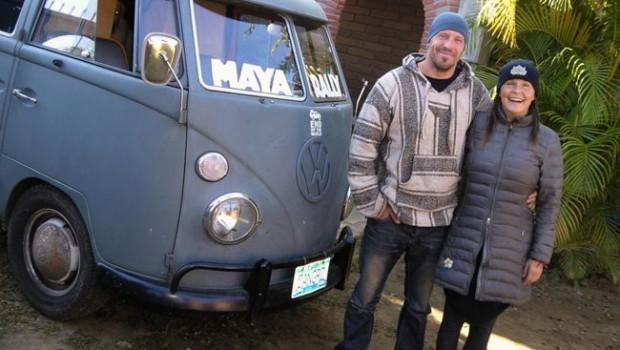 Солнечный volkswagen путешествует по америке