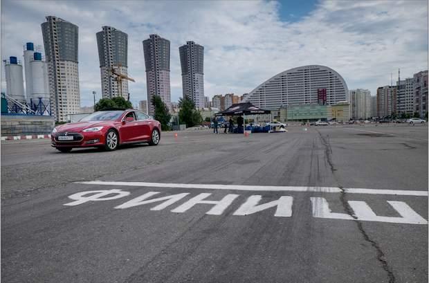 Tesla model s добралась до москвы