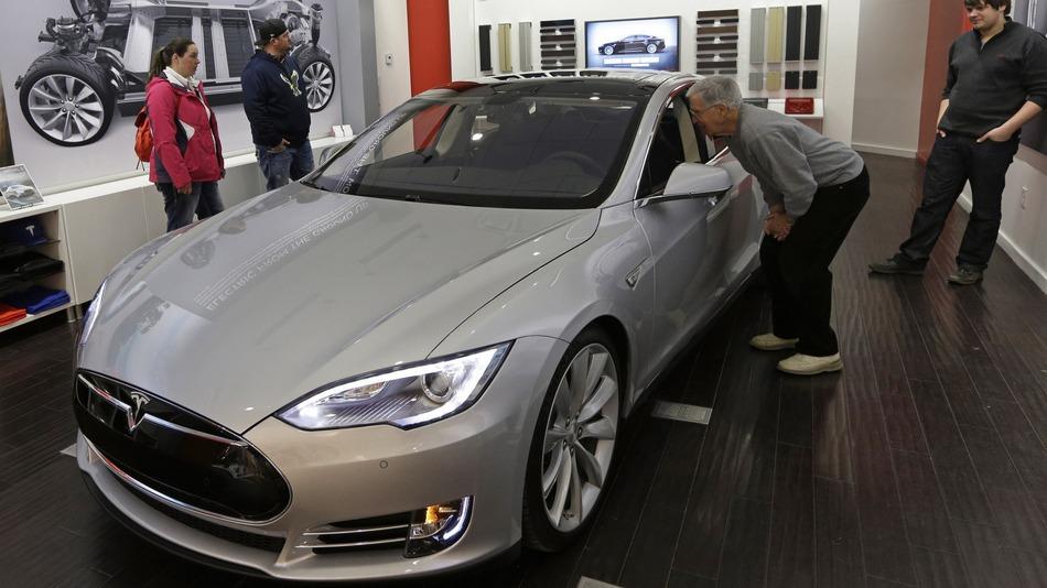 Tesla повышает безопасность model s