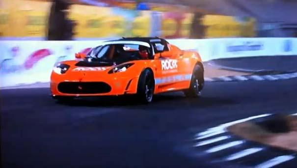 Tesla roadster в руках профессиональных гонщиков: майкл шумахер против себастьена леба (видео)