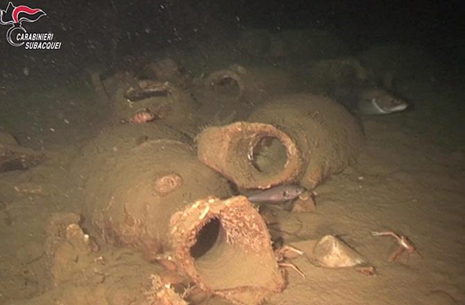 У берегов италии нашли затонувший корабль с римским «кетчупом»