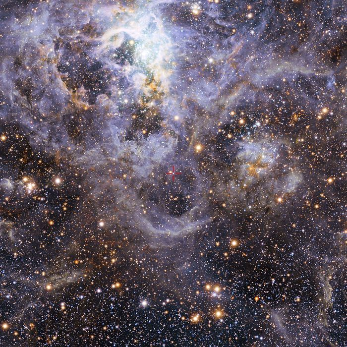 Уникальное астрономическое зрелище: две звезды поглощают друг друга