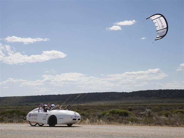 Ветряной электромобиль пересек всю австралию за 15 долларов