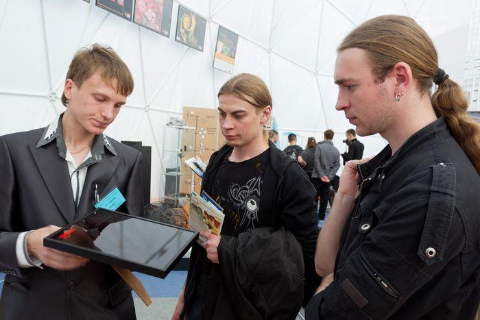 За четыре дня выставку «неделя нанотехнологий» в томске посетили пять тысяч человек