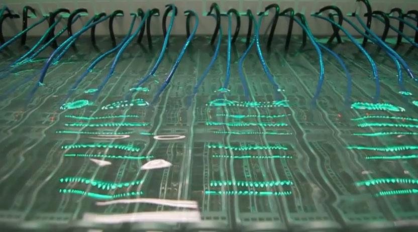 Зачем intel топит сервера в минеральном масле?
