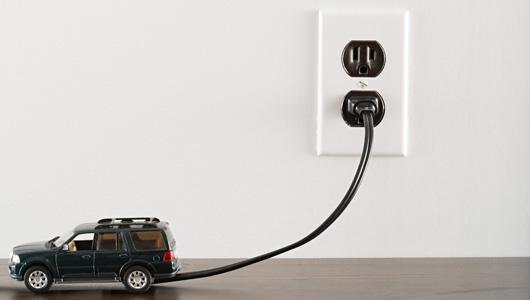 Заряжаем электромобиль дома