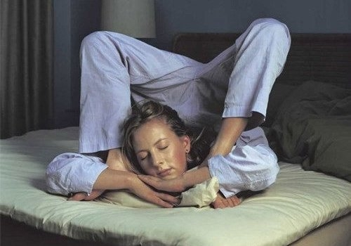 Желаете эротических сновидений? спите на животе!